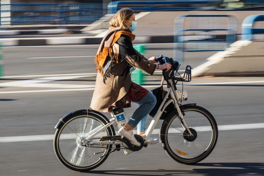 žensko električno kolo